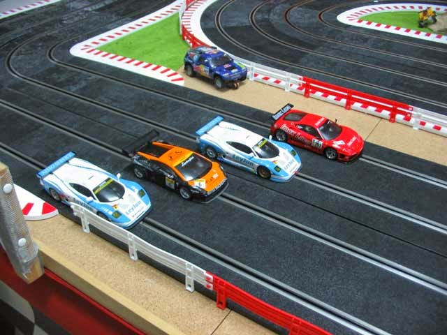 Slot-car-racing